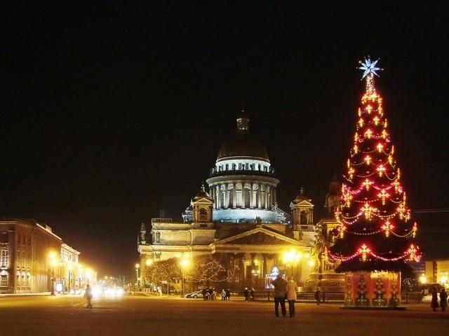 Новогодние туры 2012 в Санкт Петербург